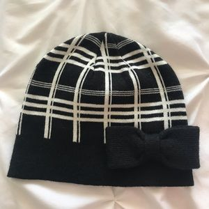 Kate Spade Black/white winter hat with bow